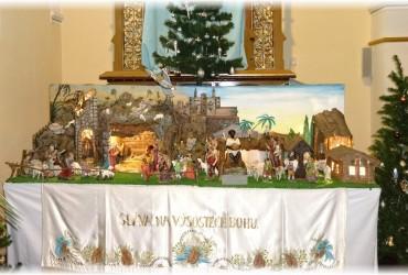 Příprava betléma a výzdoba kostela v Uherčicích 2014