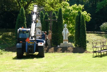 U svaté – instalace nových soch